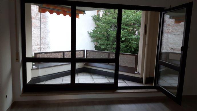 2-Zimmer-Wohnung im 1. OG mit 65 m² Wfl.