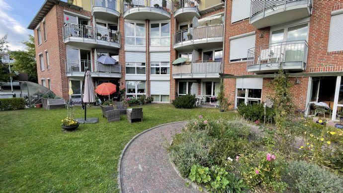 2ZKBB 2-Zimmer-Küche-Bad-Balkon-Wohnung im 1 OG