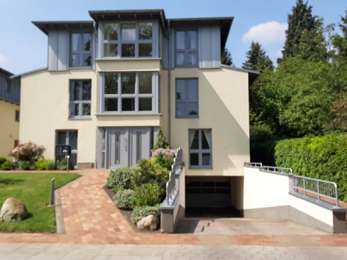 Helle 3-Zimmer-Erdgeschosswohnung mit sonniger Terrasse