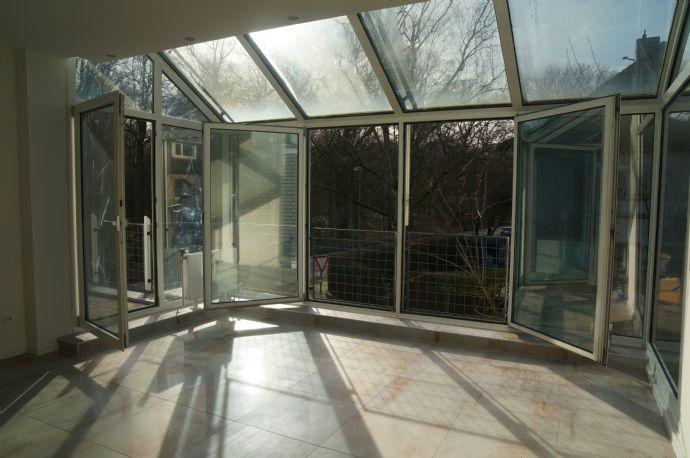 * Erstbezug nach Sanierung * hochwertige und toll geschnittene 3-Zi.-Whg. mit Balkon * direkte Lage an der Eilenriede
