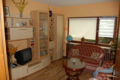 walmdachbungalow mehrfamilienhaus mit wellness bereich. Black Bedroom Furniture Sets. Home Design Ideas