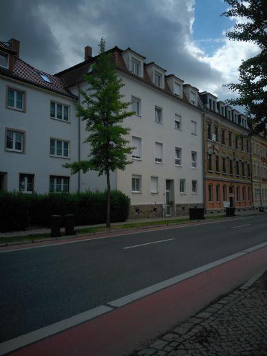 Schicke Zweiraumwohnung im EG mit Balkon /Hochparterre