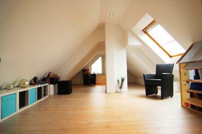 35 minuten bis k ln modernes energetisch efh mit kamin. Black Bedroom Furniture Sets. Home Design Ideas