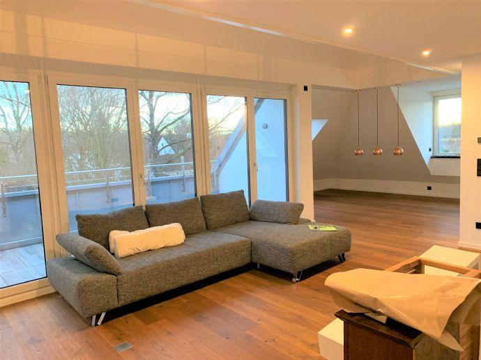 Luxuriöse, helle, Penthouse Wohnung, SW Dachterrasse und EBK