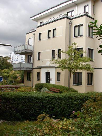 Haus-im-Haus - Terrassen-Maisonette-Wohnung mit Gartenanteil - nahe Lichterfelder Bäkepark und Rathaus Steglitz
