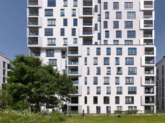 Mitte in der Stadt Wohnen: helle gut geschnittende 4 Zimmer Neubau Wohnung mit Einbauküche in Düsseldorf zur Miete