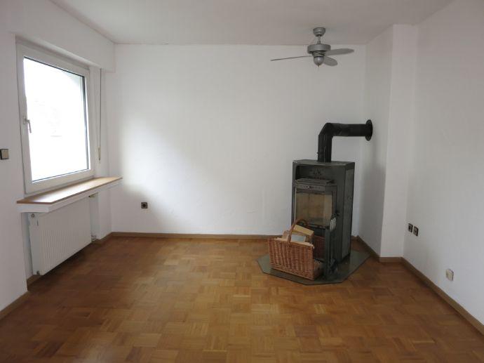 Gemütliche 3-Zimmer Wohnung mit Wintergarten und Kamin