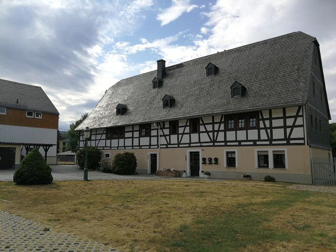 Schöne 2-Raum-Wohnung in altem Bauernhaus mit Charme