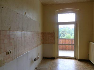 Küche mit Austritt zum Balkon