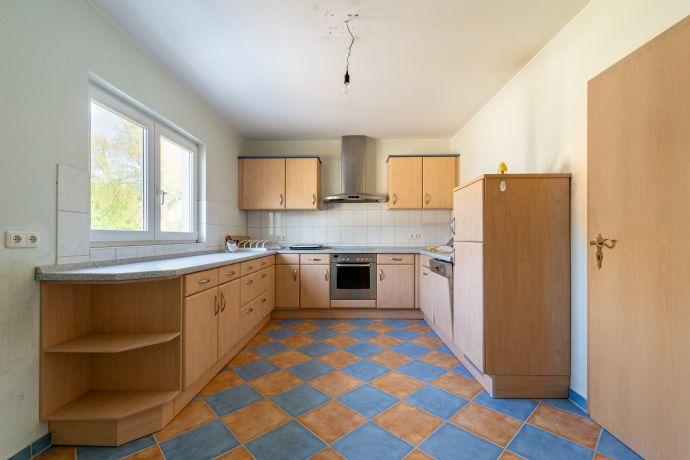Vollunterkellertes Einfamilienhaus in ruhiger Wohnlage mit Carport