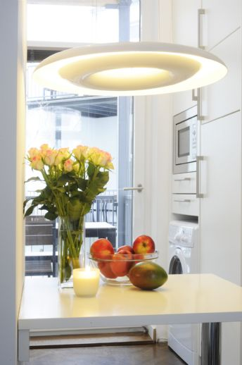 Großzügige, vollausgestattete 2,5-R-Wohnung, mit WLAN u. Reinigungsservice nahe Berger Strasse