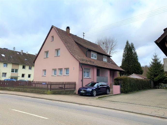 Zweifamilienhaus mit großer Gartenfläche, Garage und Werkstatt!