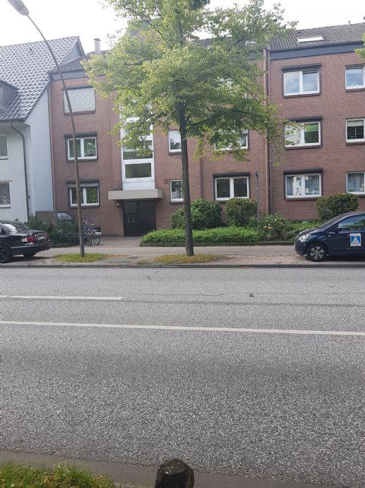 Ahrensburg: Schöne/große 3 Zi DG- Whg. mit Balkon / zentral und trotzdem ruhig