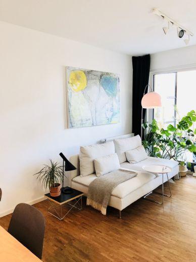 Moderne 2-Zimmer Whg. mit Tiefgarage und bodentiefen Fenstern, Parkett