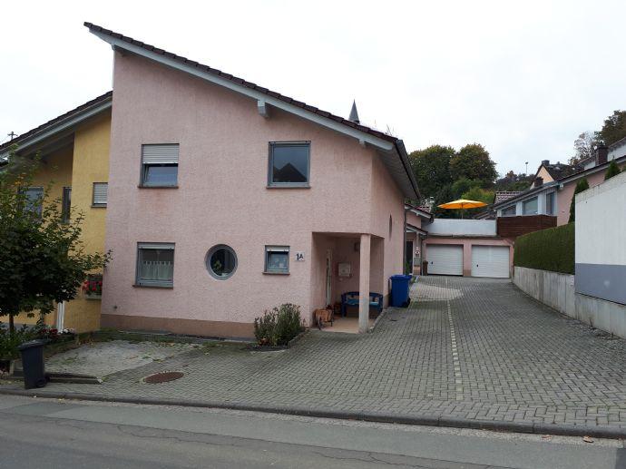Doppelhaus in Hadamar, Zentrale Lage mit Garten + Stellplätze