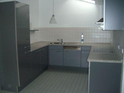 Die eingerichtete Einbauküche.