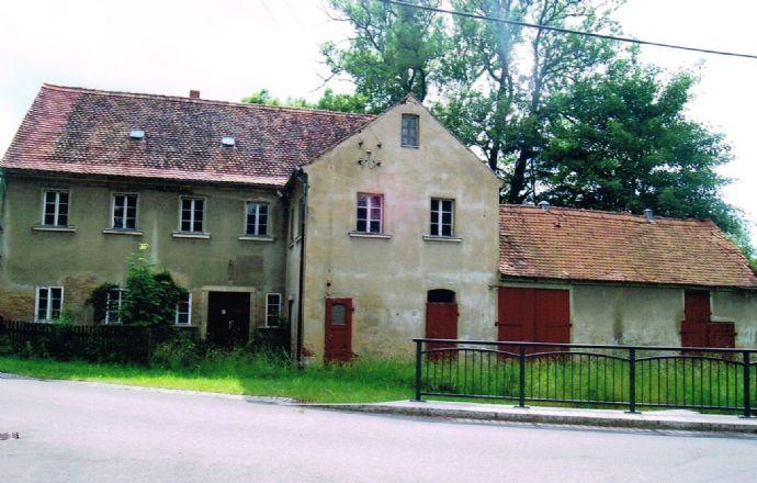 sanierungsbedürftige, ehemalige Gaststätte in Ottenhain