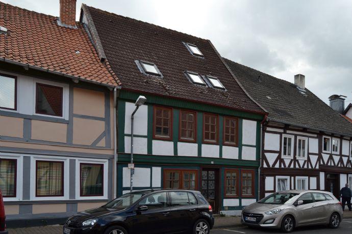 Charmantes Reihenmittelhaus mit Sanierungsbedarf in Königslutter am Elm
