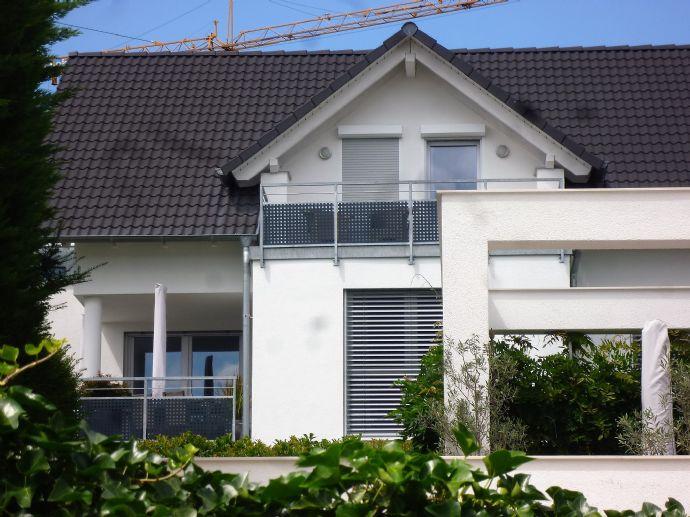 Energiesparendes neuwertiges, modern ausgestattetes Einfamilienhaus (EFH) mit möglicher ELW in Weinstadt - Großheppach