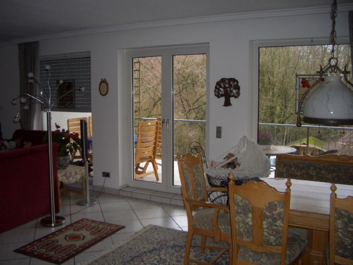 RS-Ehringhausen, ruhig und im grünen, 3 Zimmer, Küche, Diele, Balkon und Garage