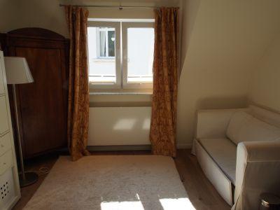 hochwertig eingerichtete immobilie mit traumhaften blicken. Black Bedroom Furniture Sets. Home Design Ideas