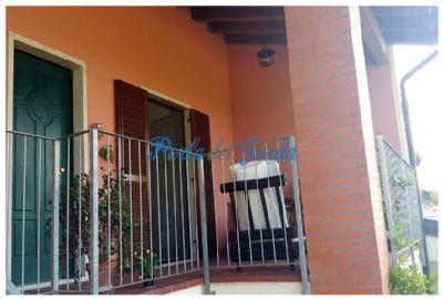 deutsche vor ort sch ne wohnung mit mansarde terrasse garage und stellplatz in sandr kaufen. Black Bedroom Furniture Sets. Home Design Ideas