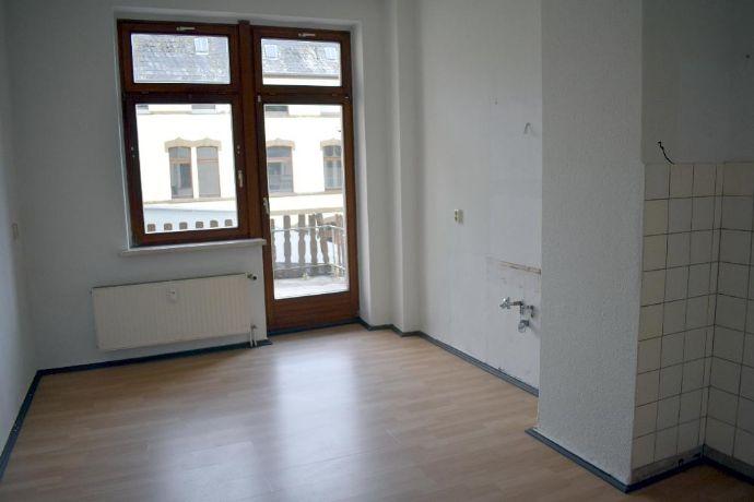 Große, helle 2-Raum-Wohnung mit Balkon in der Greizer Neustadt