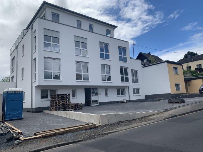 Neubau-Erstbezug: Luxuriöse 3 Zimmer- Penthauswohnung in Bornheim mit sensationellem Blick aufs Sie
