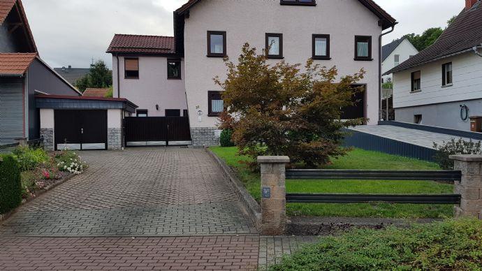 2018 Komplett saniertes Mehrfamilienhaus in Top Lage m.großen Garten, Balkon, Terrasse, 2 Garagen