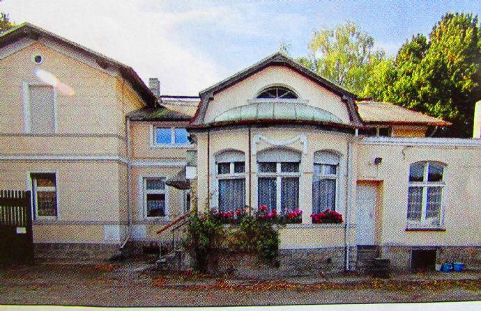 *Berlin-Magdeburg Renditeobjekt * Repräsentatives Herrenhaus auf großem Anwesen mit separatem Wohnhaus und Nebengebäuden