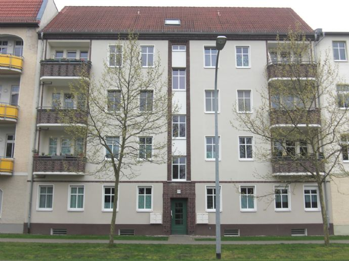 FAMILIENFREUNDLICHE 3-ZIMMER-WOHNUNG NAHE KITA, WALD-GRUNDSCHULE UND LEHNITZSEE