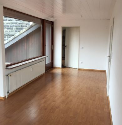 sehr helle 3 5 zimmer wohnung mit 15m2 s d balkon und loggia saniert etagenwohnung hamburg. Black Bedroom Furniture Sets. Home Design Ideas