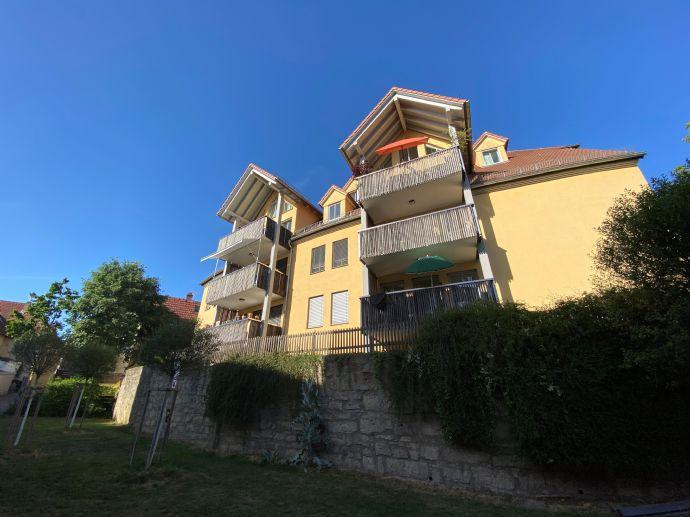 Moderne, wunderschöne 2-Zimmerwohnung mit Balkon, hochwertig ausgestattet in ruhiger zentraler Lage