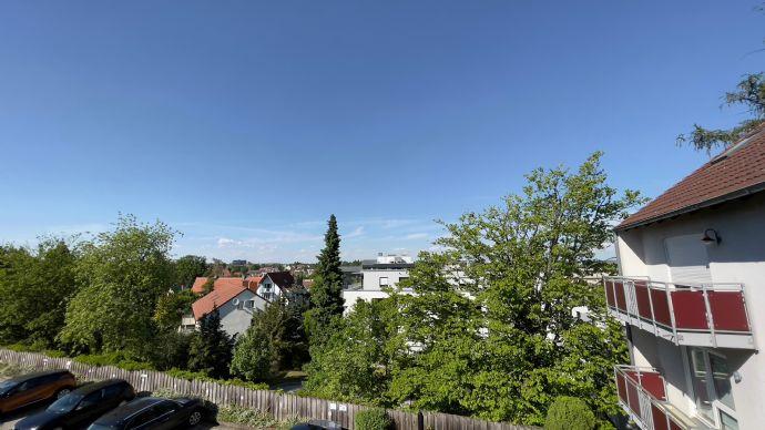 Hübsche gepflegte1-Zimmer  Wohnung im DG - gegenüber von Schaeffler