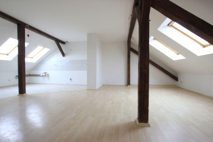 gepflegte 4-Raumwohnung im Dachgeschoß