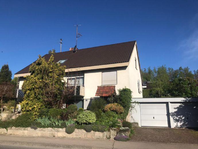 Freistehendes Einfamilienhaus mit ca. 230 qm Wohnfläche und 660 qm Grundstück