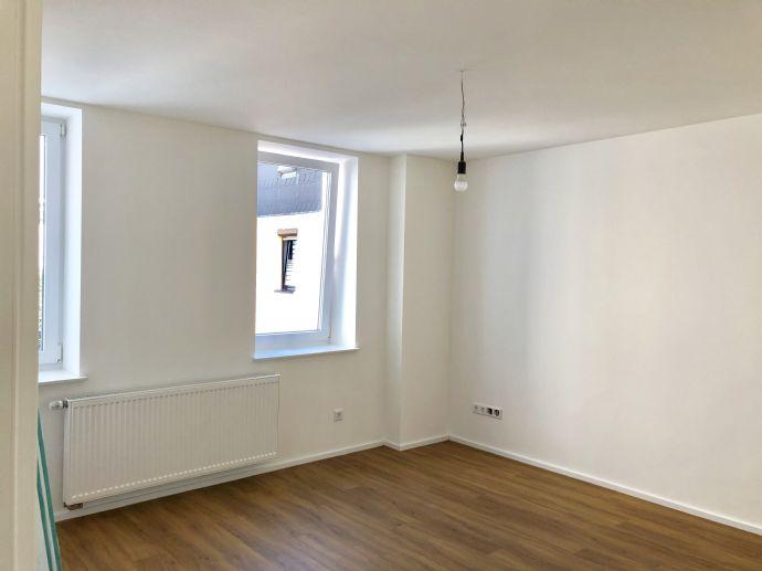 Moderne 2 Zimmer Wohnung / Erstbezug nach Kernsanierung