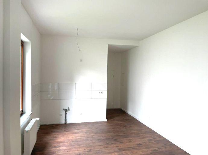 Kernsanierte 2 Zimmer Wohnung nähe Helios zu vermieten