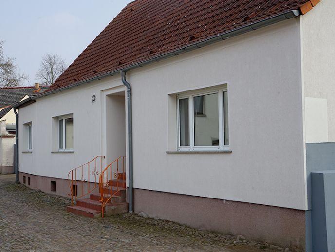 Alt Ruppin - Große 4,5 Doppelhaushälfte in toller Lage, mit viel Nebengelass und Garten