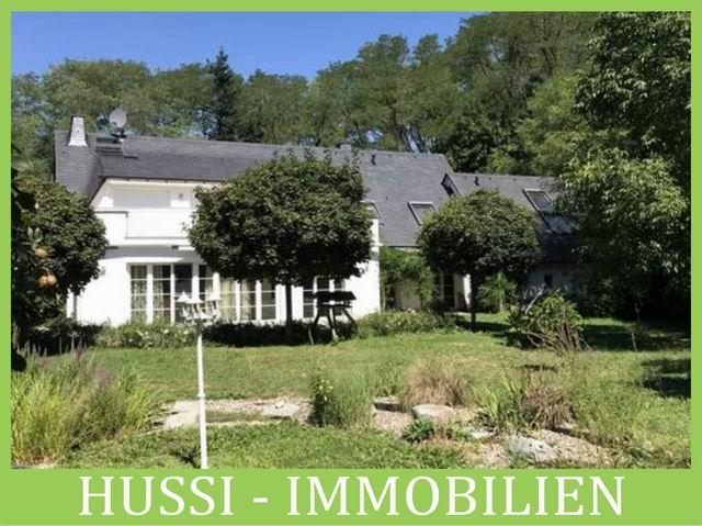 Eine Oase für exklusives Wohnen – Villa in einzigartiger Alleinlage in Alzenau-Wasserlos