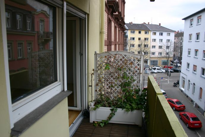 Tolle 2 ZKB-Wohnung mit zwei Balkonen