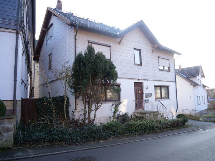 Mehrfamilienhaus mit 3 Wohnungen in Rödental!