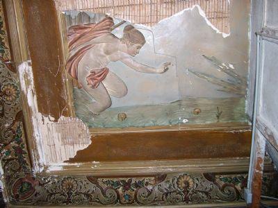 Stuckdecken mit Wandmalereien und Ornamentik