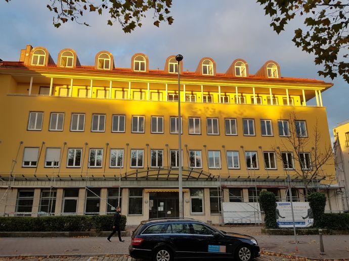 Top of the Line! Beste Lage und Ausstattung im Zentrum von Fürth - ehemalige Landeszentralbank!