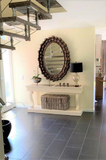 ... neuwertiges Einfamilienhaus mit Garage, gehobene Ausstattung, bevorzugte Wohnlage