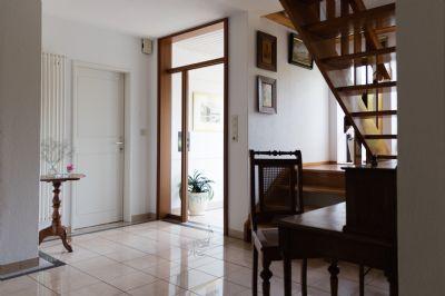 Gepflegtes Einfamilienhaus mit Garten, Wintergarten und Garage in ruhiger Wohnlage zu vermieten