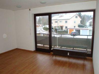 f r 3 monate zu vermieten helle 1 zimmer og wohnung mit balkon sonnenverw hnt wohnung. Black Bedroom Furniture Sets. Home Design Ideas