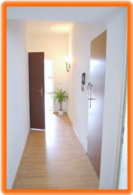 2 zimmer mit kamin und balkon etagenwohnung d sseldorf. Black Bedroom Furniture Sets. Home Design Ideas