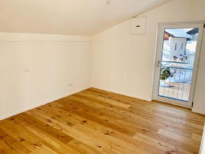 reserviert penthouse mit gro er sonniger dachterrasse und garage wohnung rosenheim 2jqt24q. Black Bedroom Furniture Sets. Home Design Ideas