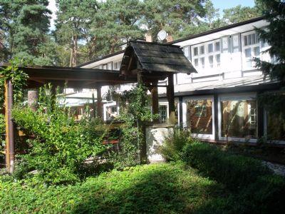 Blick aufs Hotel von der Terrasse